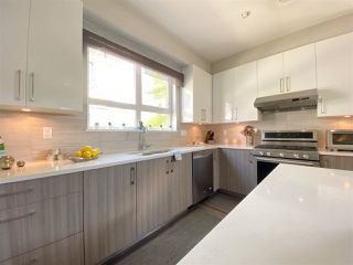 """Photo 11: 5 6028 MAPLE Road in Richmond: Woodwards Townhouse for sale in """"HARRINGTON COURT"""" : MLS®# R2455296"""