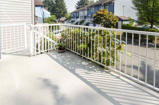 "Photo 3: 482 CARLSEN Place in Port Moody: North Shore Pt Moody Townhouse for sale in ""EAGLE POINT"" : MLS®# R2498769"