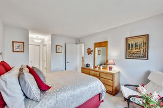 Photo 13: 43 140 Strathaven Circle SW in Calgary: Strathcona Park Semi Detached for sale : MLS®# A1041075