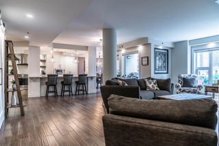 Photo 5: 502 200 LA CAILLE Place SW in Calgary: Eau Claire Apartment for sale : MLS®# A1054106