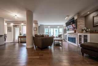 Photo 3: 502 200 LA CAILLE Place SW in Calgary: Eau Claire Apartment for sale : MLS®# A1054106