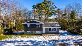 Photo 2: 95 Forest Village Road in Simms Settlement: 405-Lunenburg County Residential for sale (South Shore)  : MLS®# 202100463