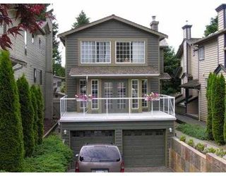 Photo 1: 1077 CLEMENTS Avenue in North Vancouver: Canyon Heights NV House for sale : MLS®# V796867