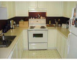 Photo 2: 3085 PRIMROSE Lane in Coquitlam: North Coquitlam Condo for sale : MLS®# V636971