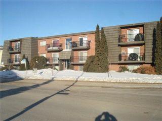 Main Photo: : Residential for sale (River Heights Area 3 Saskatoon Saskatoon & Area Saskatchewan)  : MLS®# 300445