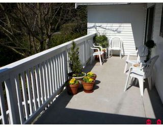 """Photo 4: 2422 124TH Street in White_Rock: Crescent Bch Ocean Pk. House for sale in """"Ocean Park ,Crescent Heights"""" (South Surrey White Rock)  : MLS®# F2808174"""