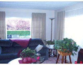 "Photo 4: 8254 134 Street in Surrey: Queen Mary Park Surrey Manufactured Home for sale in ""Westwood Estates"" : MLS®# F2622406"
