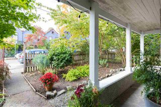 Photo 2: 720 HAWKS Avenue in Vancouver: Strathcona House for sale (Vancouver East)  : MLS®# R2413554
