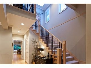 Photo 3: 959 CLEMENTS Ave in North Vancouver: Home for sale : MLS®# V911167