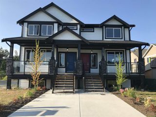Photo 1: A 33365 5TH Avenue in Mission: Mission BC 1/2 Duplex for sale : MLS®# R2430022