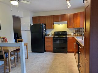Photo 9: 2947 130 Avenue in Edmonton: Zone 35 Townhouse for sale : MLS®# E4192005