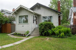 Photo 1: 218 Donalda Avenue in Winnipeg: Residential for sale (3D)  : MLS®# 202012805