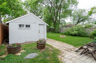 Photo 8: 218 Donalda Avenue in Winnipeg: Residential for sale (3D)  : MLS®# 202012805