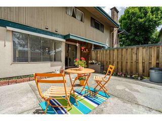 Photo 13: 56 5850 177B STREET in Surrey: Cloverdale BC Townhouse for sale (Cloverdale)  : MLS®# R2463380