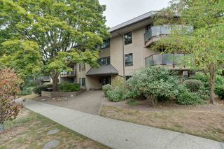 "Photo 18: 206 2150 BRUNSWICK Street in Vancouver: Mount Pleasant VE Condo for sale in ""Mount Pleasant Place"" (Vancouver East)  : MLS®# R2500847"