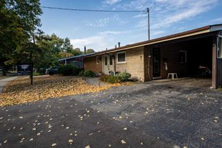 Photo 2: 3 Rosswood Crescent in Toronto: Bendale House (Bungalow) for sale (Toronto E09)  : MLS®# E4932683