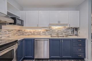"""Photo 10: 502 6737 STATION HILL Court in Burnaby: South Slope Condo for sale in """"THE COURTYARDS"""" (Burnaby South)  : MLS®# R2507857"""