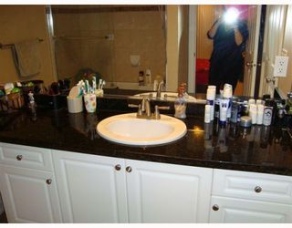 Photo 8: 1056 DELESTRE Avenue in Coquitlam: Maillardville House 1/2 Duplex for sale : MLS®# V795674