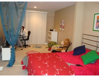 Photo 9: 1056 DELESTRE Avenue in Coquitlam: Maillardville House 1/2 Duplex for sale : MLS®# V795674