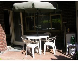"""Photo 6: 204 2059 CHESTERFIELD Avenue in North_Vancouver: Central Lonsdale Condo for sale in """"RIDGE PARK GARDENS"""" (North Vancouver)  : MLS®# V661166"""