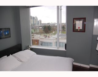 "Photo 7: 510 550 TAYLOR Street in Vancouver: Downtown VW Condo for sale in ""TAYLOR"" (Vancouver West)  : MLS®# V703612"