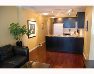 "Photo 2: 510 550 TAYLOR Street in Vancouver: Downtown VW Condo for sale in ""TAYLOR"" (Vancouver West)  : MLS®# V703612"