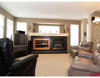 "Photo 3: 20842 97B Avenue in Langley: Walnut Grove House for sale in ""WYNDSTAR"" : MLS®# F2813054"
