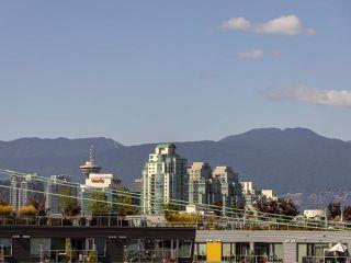 "Photo 19: 303 440 E 5TH Avenue in Vancouver: Mount Pleasant VE Condo for sale in ""Landmark Manor"" (Vancouver East)  : MLS®# R2400226"