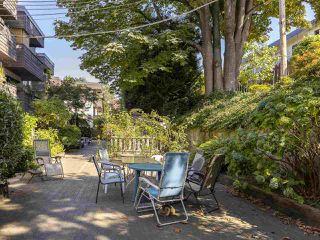 "Photo 15: 303 440 E 5TH Avenue in Vancouver: Mount Pleasant VE Condo for sale in ""Landmark Manor"" (Vancouver East)  : MLS®# R2400226"
