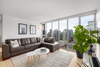 Photo 2: 2205 950 CAMBIE STREET in Vancouver: Yaletown Condo for sale (Vancouver West)  : MLS®# R2421963