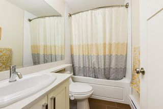 """Photo 16: 69 5957 152 Street in Surrey: Sullivan Station Townhouse for sale in """"Panorama Station"""" : MLS®# R2466563"""