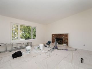 Photo 2: 2101 Rennie Pl in : Si Sidney South-West House for sale (Sidney)  : MLS®# 858574
