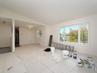 Photo 3: 2101 Rennie Pl in : Si Sidney South-West House for sale (Sidney)  : MLS®# 858574