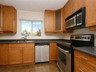 Photo 7: 2101 Rennie Pl in : Si Sidney South-West House for sale (Sidney)  : MLS®# 858574