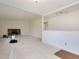 Photo 4: 2101 Rennie Pl in : Si Sidney South-West House for sale (Sidney)  : MLS®# 858574