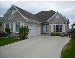 Photo 1: 87 GEORGETOWN Drive in WINNIPEG: Fort Garry / Whyte Ridge / St Norbert Single Family Detached for sale (South Winnipeg)  : MLS®# 2709965