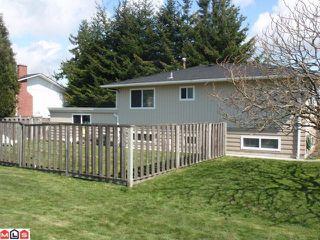 Photo 2: 15655 RUSSELL AV: White Rock House for sale (South Surrey White Rock)  : MLS®# F1110511
