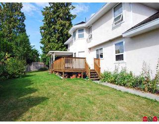 Photo 10: 8211 151ST Street in Surrey: Bear Creek Green Timbers House for sale : MLS®# F2720945