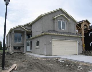 Main Photo: 101 Khalsa in Winnipeg: Single Family Detached for sale (Maples/Tyndall Park North West Winnipeg Winnipeg Winnipeg and Area Manitoba)  : MLS®# 2813437