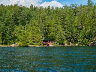 "Photo 2: Block E SAKINAW Lake in Pender Harbour: Pender Harbour Egmont House for sale in ""Sakinaw Lake"" (Sunshine Coast)  : MLS®# R2398230"