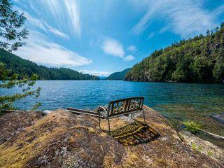 "Photo 15: Block E SAKINAW Lake in Pender Harbour: Pender Harbour Egmont House for sale in ""Sakinaw Lake"" (Sunshine Coast)  : MLS®# R2398230"