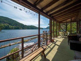 "Photo 8: Block E SAKINAW Lake in Pender Harbour: Pender Harbour Egmont House for sale in ""Sakinaw Lake"" (Sunshine Coast)  : MLS®# R2398230"