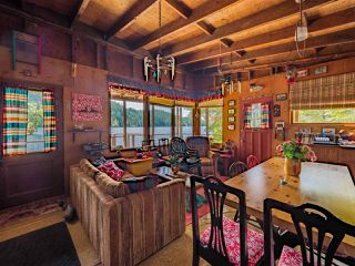 "Photo 13: Block E SAKINAW Lake in Pender Harbour: Pender Harbour Egmont House for sale in ""Sakinaw Lake"" (Sunshine Coast)  : MLS®# R2398230"