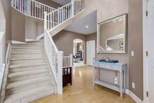 Photo 3: 21 TUSCANY RIDGE Park NW in Calgary: Tuscany Detached for sale : MLS®# C4271886