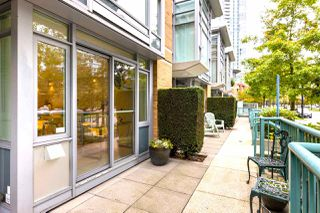 "Photo 13: 1056 PACIFIC Boulevard in Vancouver: Yaletown Townhouse for sale in ""Quaywest"" (Vancouver West)  : MLS®# R2431861"
