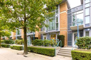"Photo 12: 1056 PACIFIC Boulevard in Vancouver: Yaletown Townhouse for sale in ""Quaywest"" (Vancouver West)  : MLS®# R2431861"