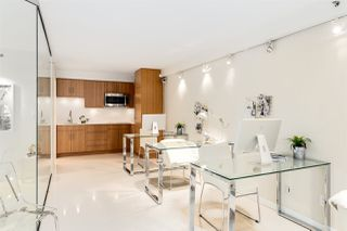 "Photo 7: 1056 PACIFIC Boulevard in Vancouver: Yaletown Townhouse for sale in ""Quaywest"" (Vancouver West)  : MLS®# R2431861"