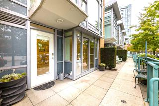"Photo 14: 1056 PACIFIC Boulevard in Vancouver: Yaletown Townhouse for sale in ""Quaywest"" (Vancouver West)  : MLS®# R2431861"