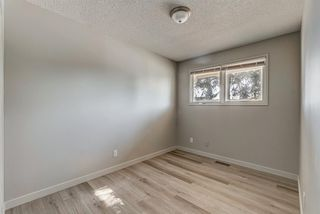 Photo 17: 236 QUEEN CHARLOTTE Way SE in Calgary: Queensland Detached for sale : MLS®# A1025137