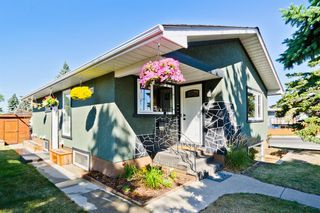 Photo 2: 2003 35 Street SE in Calgary: Southview Detached for sale : MLS®# A1027637